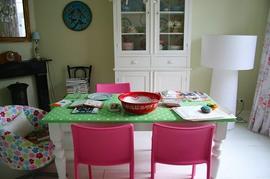 ダイニング,椅子,カラフル,ピンク